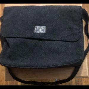 Lucky Brand purse, gray purse, feel of wool,